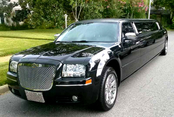 Chattanooga Tennessee Chrysler 300 Limo